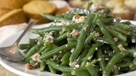 green beans with gorgonzola and nuts